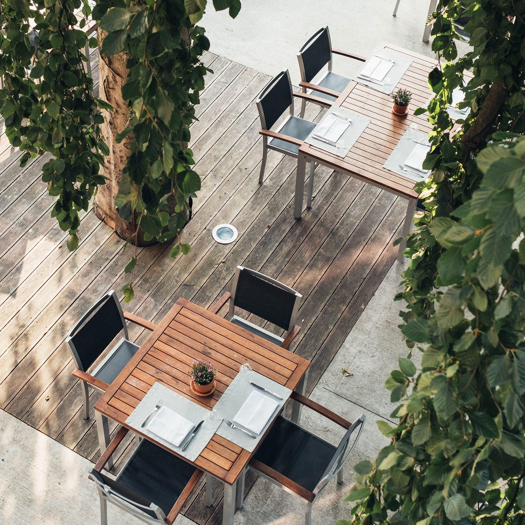 HOTEL_Gastgarten_001_2000x2000