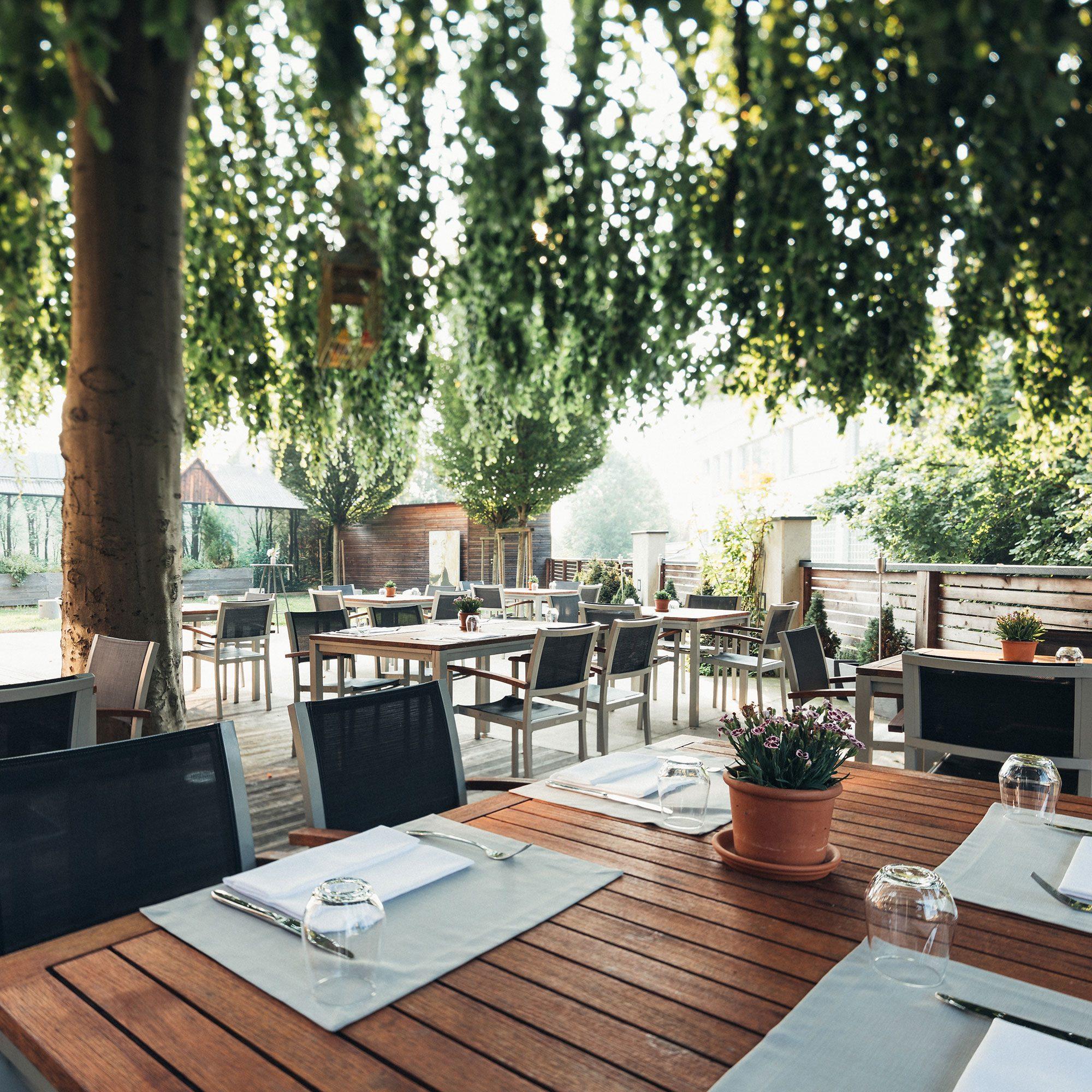 HOTEL_Gastgarten_002_2000x2000